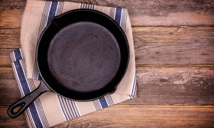 Easy Tutorial on How to Restore a Cast Iron Skillet