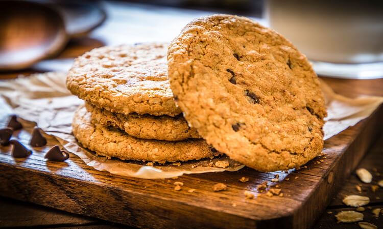 How To Make Chewy Oatmeal Cookies: Easy Tips