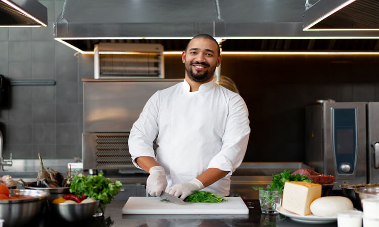 What Is A Sous Chef? – Requirements and Responsibilities