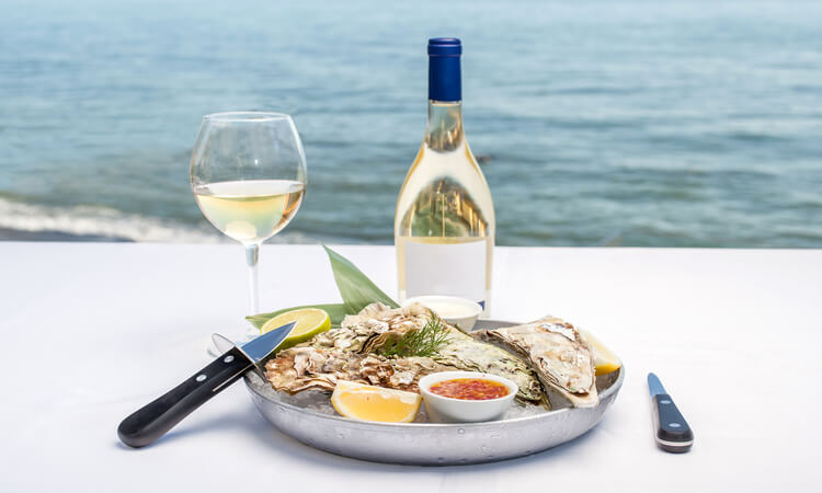 What Kind Of Wine Goes With Seafood: A Quick Guide