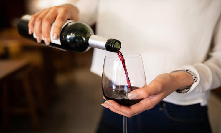 What Restaurants In Michigan Allow You To Bring Your Bottle Of Wine? -BYOB